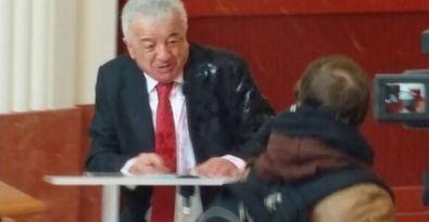 Paris Büyükelçisi Hakkı Akil'e boyalı saldırı