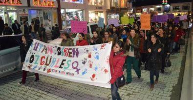 Kadınlar, kurtuluş ve özgürlük için alanlarda