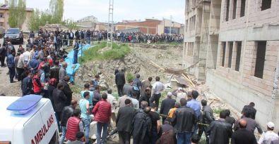 İnşaat iskelesi çöktü: 1 işçi öldü, 2'si yaralı
