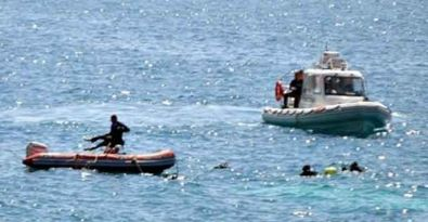 Ege'de mültecileri taşıyan bot battı: 20 kişi kayıp
