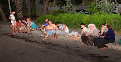 Akdeniz'deki deprem, 4 ilde yaşayanları sokağa döktü