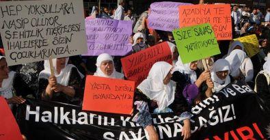 Van'da Barış Anneleri savaşa karşı yürüdü