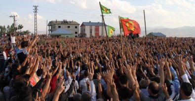 Yüksekova'daki saldırıda yaşamını yitiren Yakup Babat'ı 50 bin kişi uğurladı