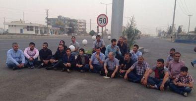 Nusaybin'e sokulmayan vekiller oturma eylemine başladı