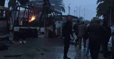 Tunus'ta muhafız alaylarının aracında patlama: 12 ölü