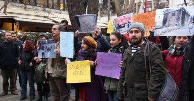 Barış İçin Herkes İnsiyatifi Ankara'da barış talebiyle yürüdü