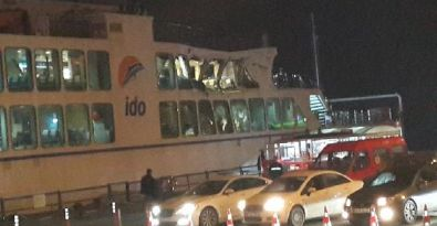 Arabalı vapur, kargo gemisine çarptı
