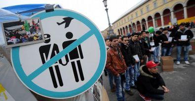 Almanya 9 bin 255 mülteciyi sınır dışı etti