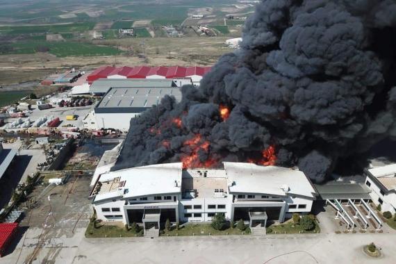 Hadımköy'deki kimyasal fabrikasında yangın tüm gün sürdü