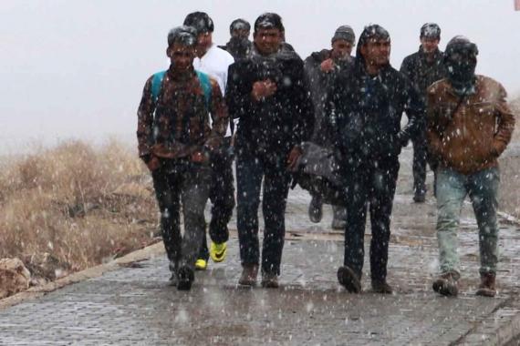 Günlerce yürüyen mültecilerin zorlu yolculuğu