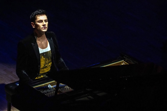 """""""Dünyanın en hızlı"""" piyanisti Maksim Mrvica İstanbul'da konser verdi"""