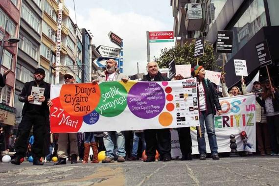 27 Mart Tiyatrolar Günü yürüyüşü yasaklandı