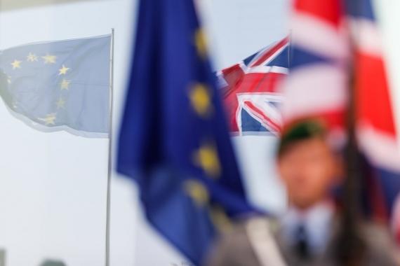 İngiltere Başbakanı Johnson, protestolar nedeniyle kürsüye çıkmadı