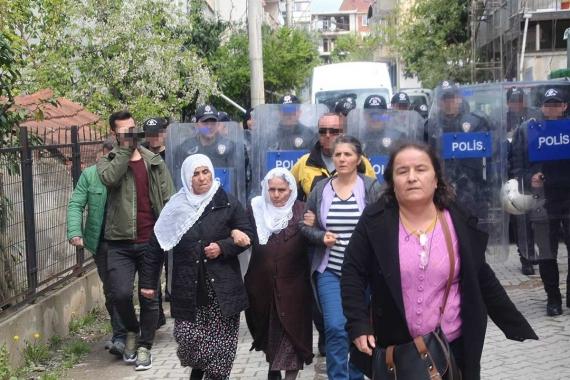 Gebze'de polis saldırısına uğrayan anneler: Çocuklarımız ölüyor