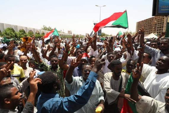Sudan'da darbecilere karşı gece eylemleri devam ediyor