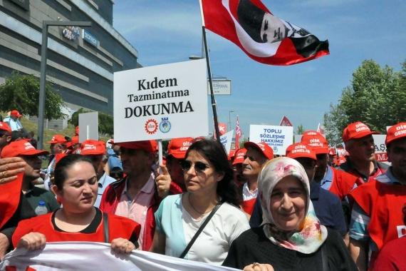 Kocaelili işçiler kıdem uyarısı: 'Tepkimizi gösterelim'