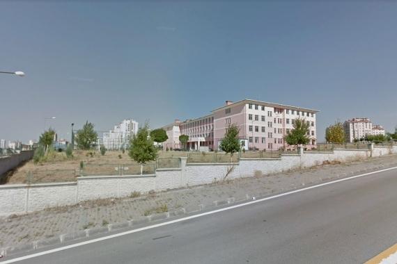 Okul müdürü parayla devamsızlık silme iddiasıyla açığa alındı