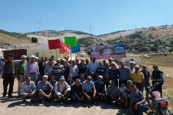 Dinar'da köylüler kum ocağına tepki gösterdi