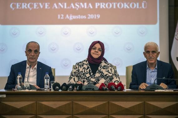 İşçiden Türk-İş Başkanına: 'Tepki gösteren biziz, işçiyi satan sensin'