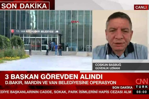 """CNN Türk yayınında bölge halkına """"cahil"""" diyerek hakaret etti, kayyumu savundu"""