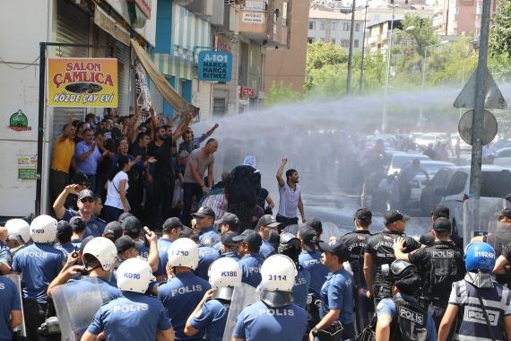 Diyarbakır, Mardin ve Van'da HDP'lilere polis saldırdı, 4 milletvekili yaralandı