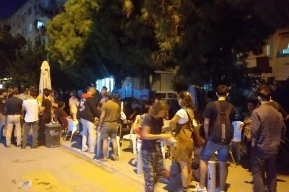 DEÜ GSF öğrencilerinin basın açıklaması polisler tarafından engellendi