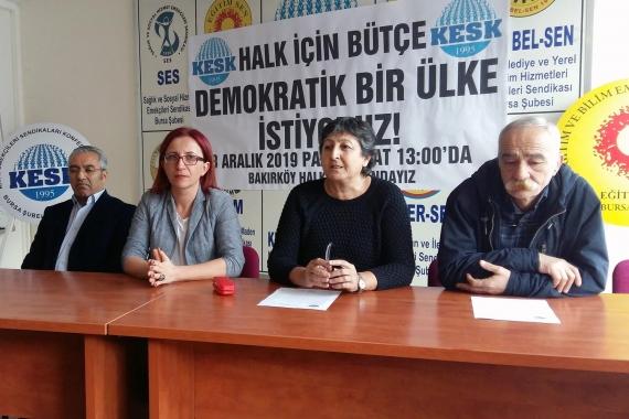 8 Aralık'ta yapılacak mitinge çağrı için basın toplantısı düzenleyen KESK yöneticileri