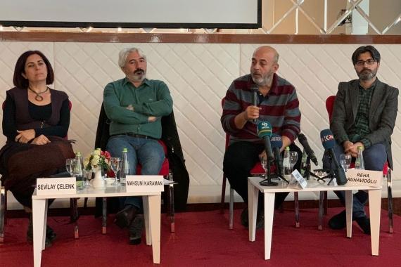 Soldan sağa: Sevilay Çelenk, Mahsuni Karaman, Gökçer Tahincioğlu, Reha Ruhavioğlu.