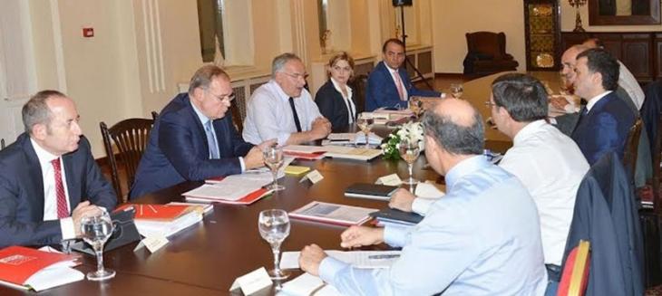 AKP ve CHP'nin koalisyon çalışmalarına ilişkin 3. görüşmesi sona erdi
