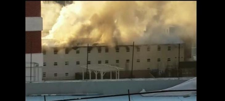 Güneşli'de Nurol Park inşaatının işçi koğuşlarında yangın