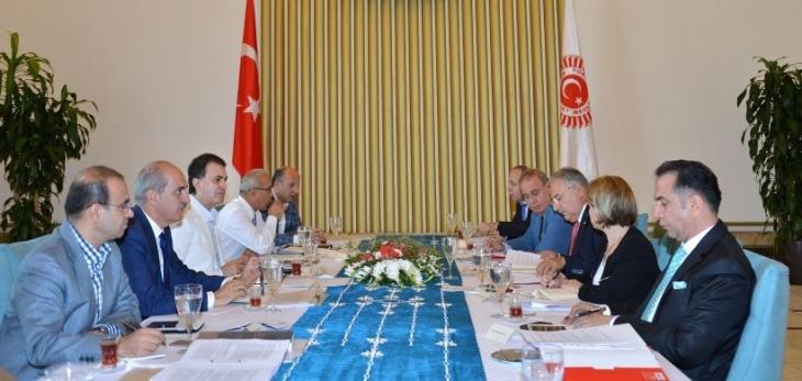 AKP ve CHP'den koalisyon toplantısı açıklamaları