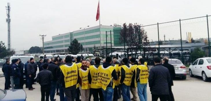 Renault'da patrondan direnişi kırma hamlesi: İşçiler fabrika önünden uzaklaştırıldı