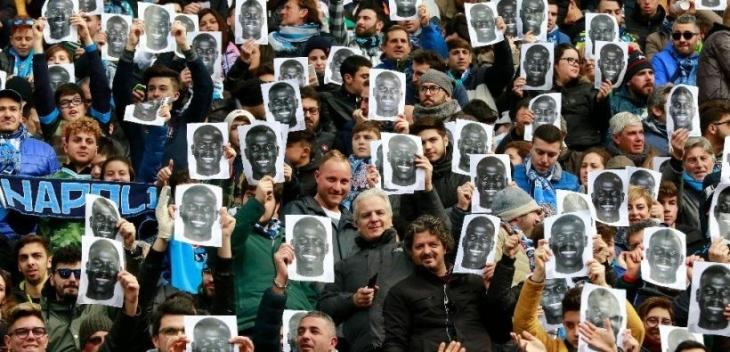 Napoli taraftarları, ırkçı tezahüratlara maruz kalan Koulibaly'e destek eylemi yaptı