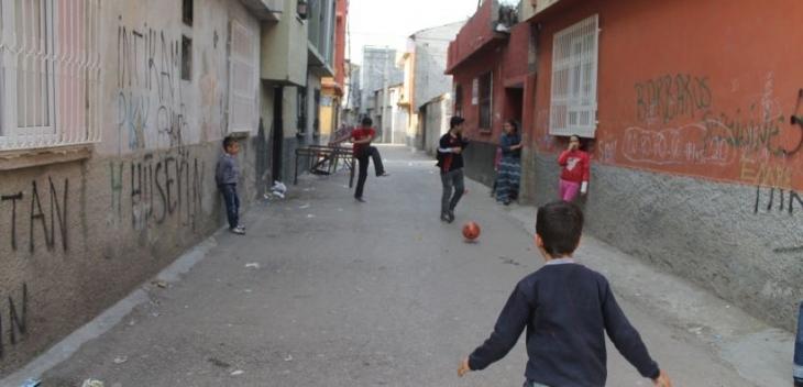 Barbaros ve Bey mahallelerinde kentsel dönüşüm tedirginliği: Halk uyuşturucu bahanesine inanmıyor