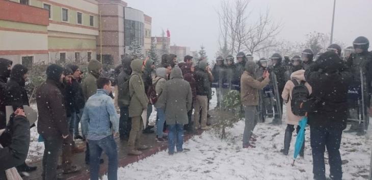 Kocaeli'de gözaltındaki 32 öğrenciden 5'i mahkemeye sevk edildi