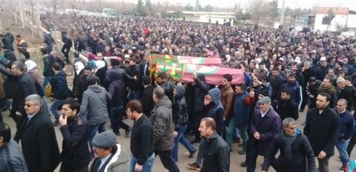 Cenazeleri 28 gün sonra teslim alınan Oran ve Sevitek'i binler uğurladı