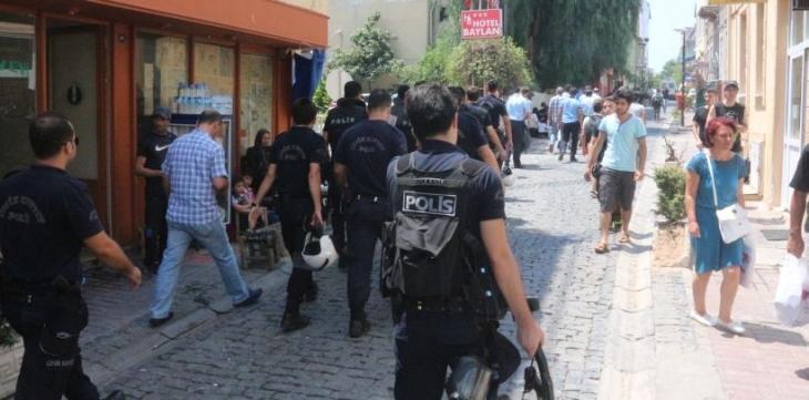 İzmir'de mültecilere operasyon