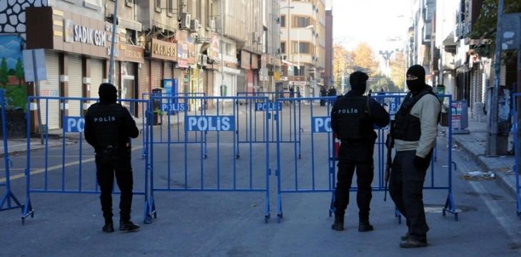 Valilik'ten Diyarbakır Sur'da basın açıklaması, toplantı, gösteri ve yürüyüş yasağı