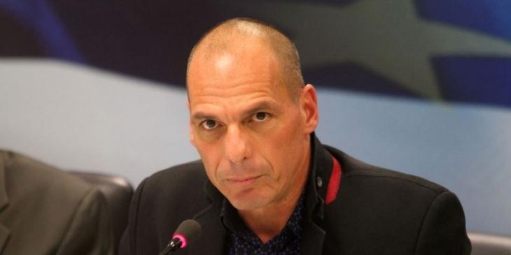 Varufakis: AB, demokrasiye karşı