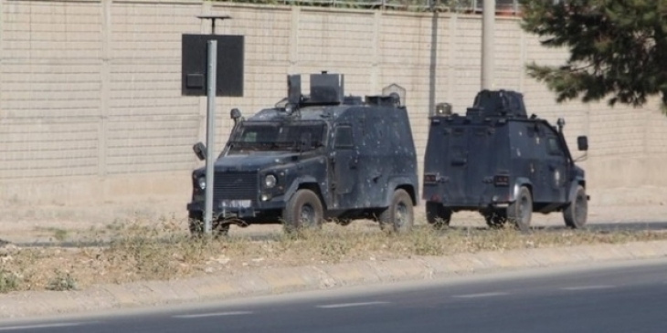 Zırhlı araç yolcu minibüsüne çarptı: 7 yaralı