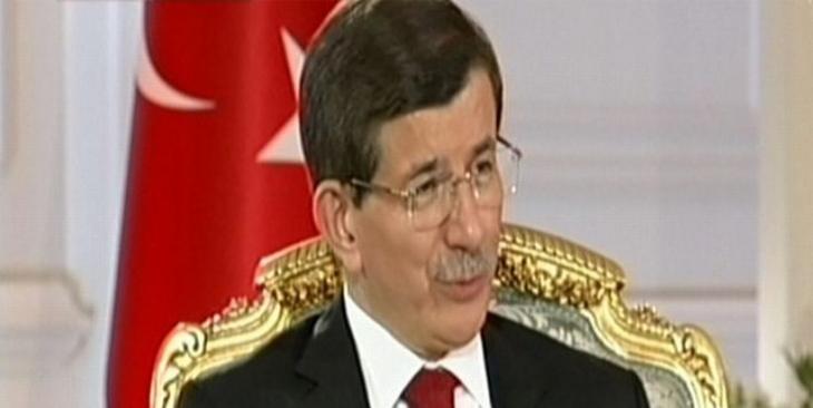 Davutoğlu'ya göre IŞİD ile PYD işbirliği içinde!