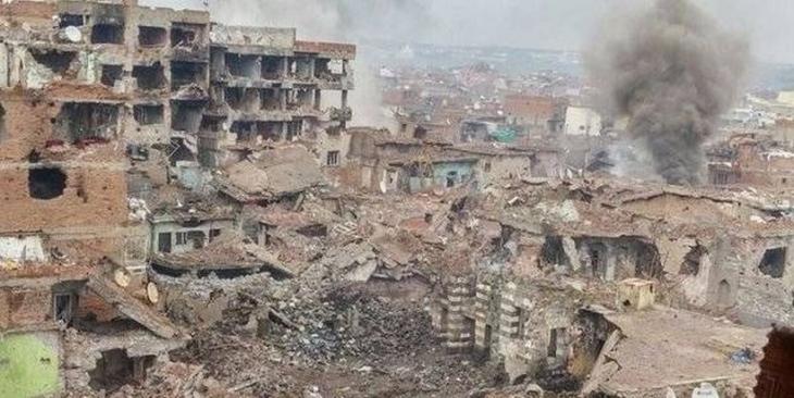 Sur'da 79 gün mahsur kalan çocuk: 'Hangi duvar yıkılacak' oyunu oynuyorduk
