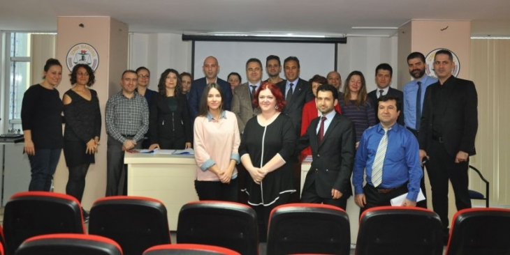 Tez-Koop-İş, İzmir Barosu'nda sözleşme imzaladı