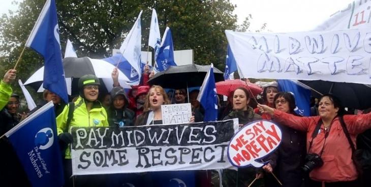 İngiltere'de asistan doktorlar üçüncü kez grevde