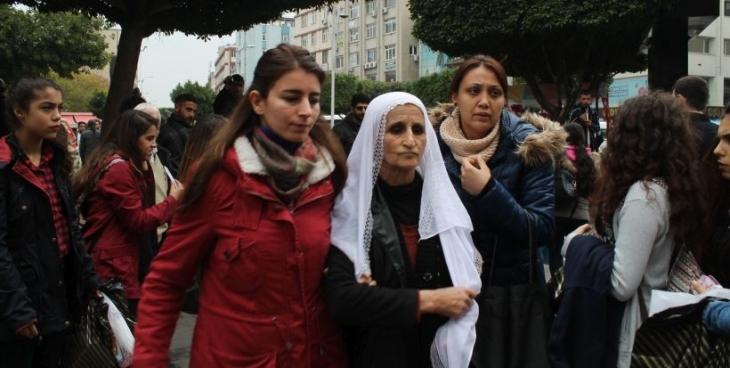 Adana'da kadınlara keyfi gözaltı