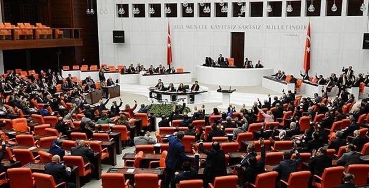 HDP'den dokunulmazlıkların kaldırılması için Anayasa değişikliği önerisi