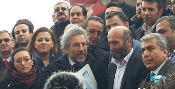 Dündar ve Gül iddianamesinde değişiklik yapıldı