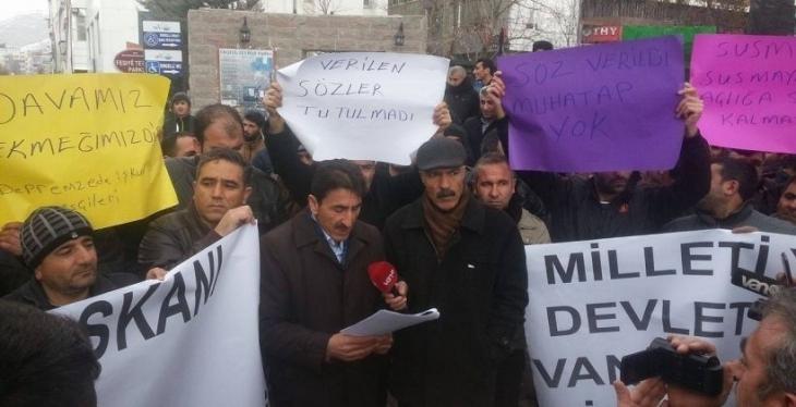 Polis, İŞKUR işçilerini zorla otogara götürdü