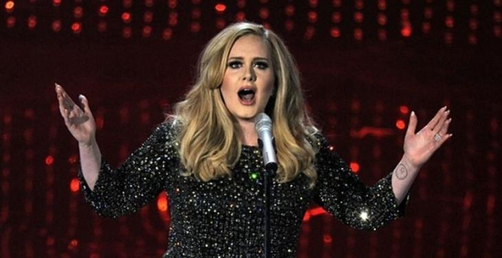 Trump'a 'Şarkılarımı rahat bırak' diyenler arasına Adele de katıldı