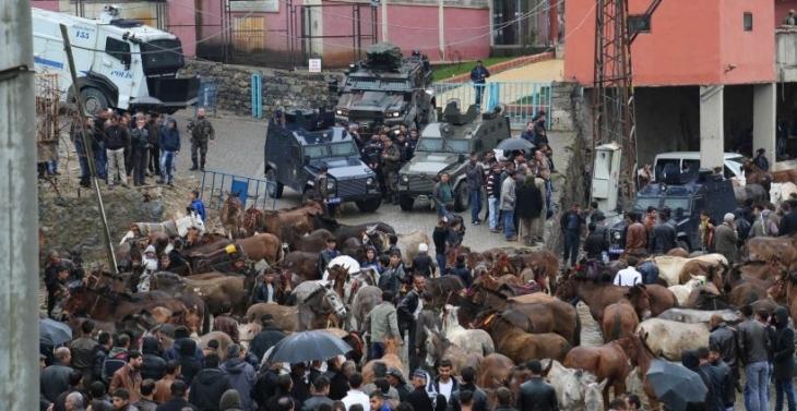 Hayvanların imhasına karşı çıkan Uluderelilere polis saldırısı
